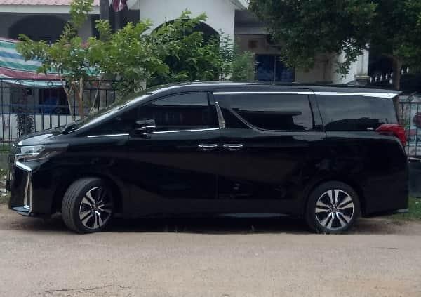 black car best car rental batam