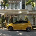 yellow car rental batam